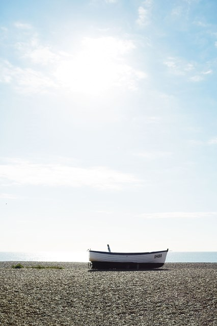 boat-on-the-beach-at-aldeburgh-suffolk-coast-conde-nast-traveller-16may16-ali-allen_426x639