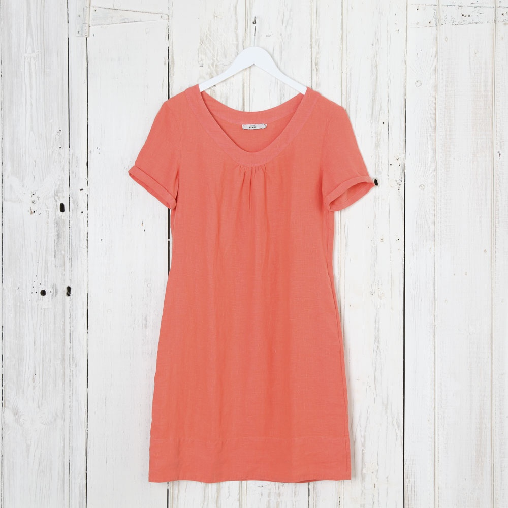 0039 italy holiday round neck dress collen amp clare