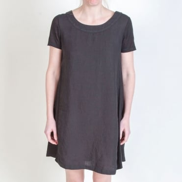 Cap Sleeve Shift Dress in Black
