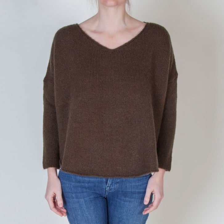 AMERICAN VINTAGE Vacaville V Neck Jumper in Oregon Khaki