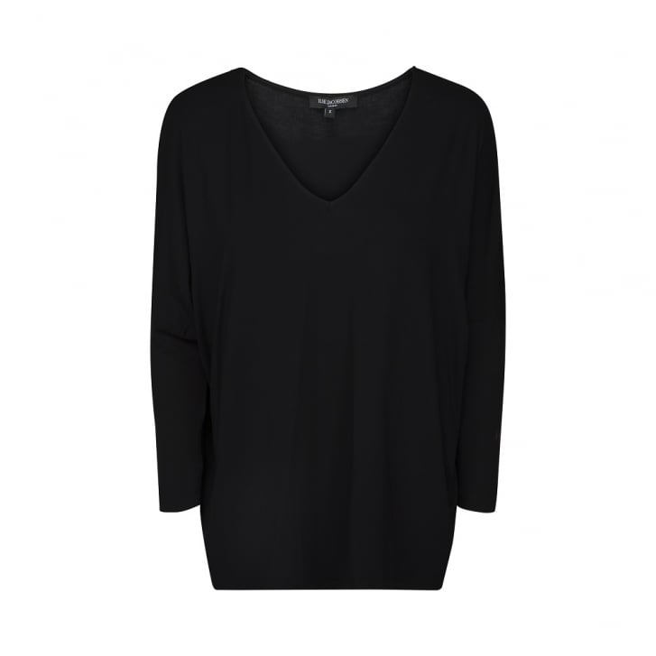 ILSE JACOBSEN V Neck 3/4 Sleeve Oversized Top in Black