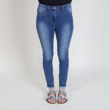 Supersoft Skinny Jean in Washed Denim