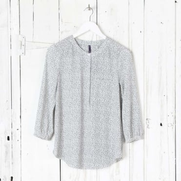 3/4 Sleeve Pleatback Blouse