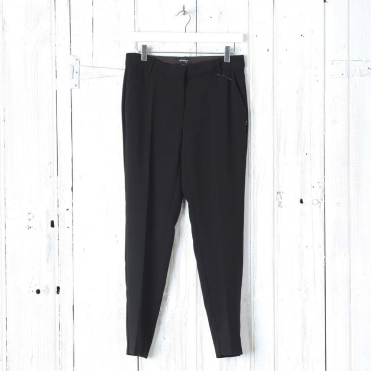 OTTO DAME Classic Simple Trousers in Black