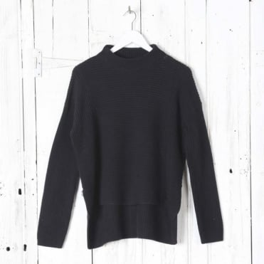 Ribbed Pullover in Dark Navy