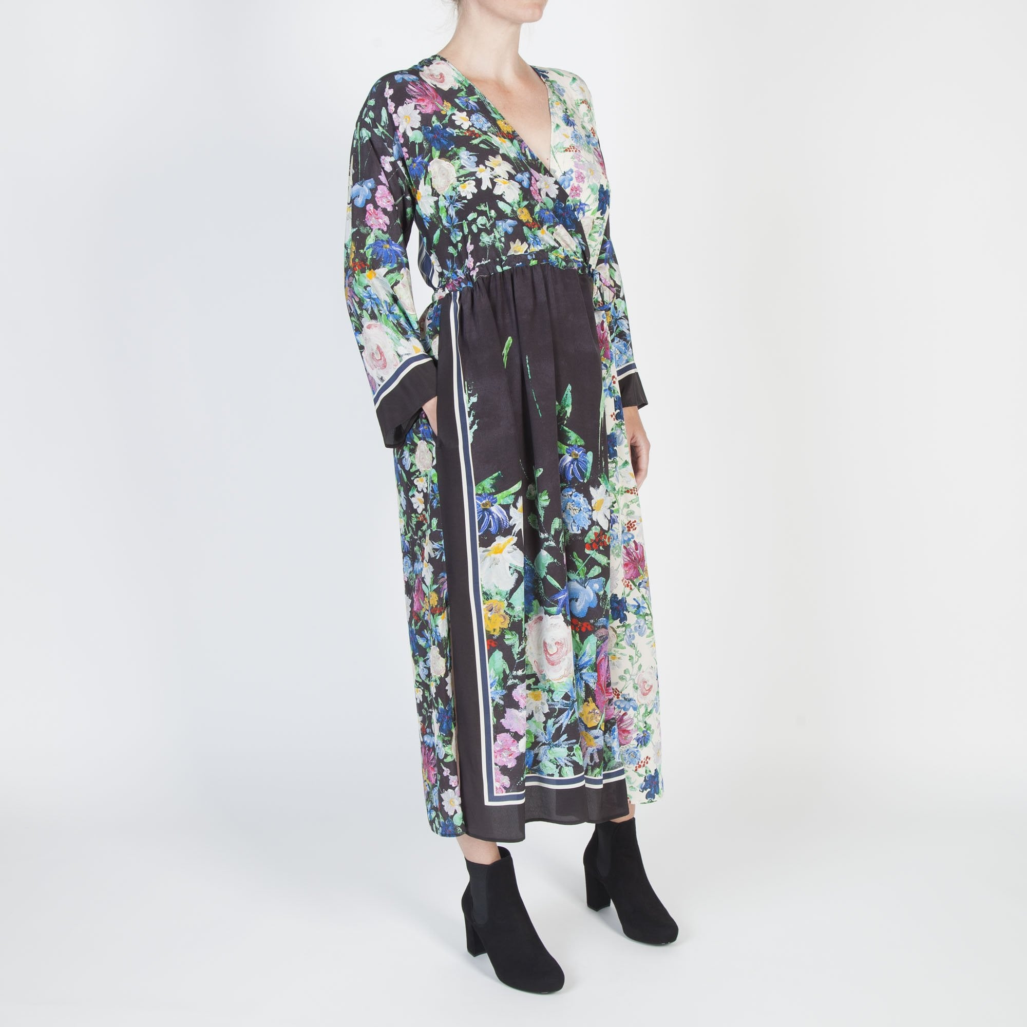 ac5d09b0d94 S Max Mara Smalto Silk Floral Dress in Black Multi